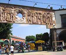 Different picture of the Tlaquepaque district