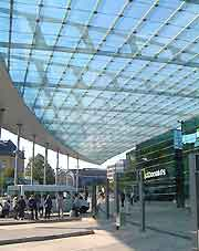 Hamburg Airport (HAM) Airlines and Terminals: Image of the bus station