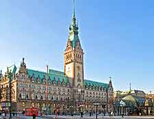 Picture of the beautiful City Hall (Rathaus)