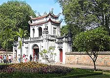 Photo showing the famous Temple of Literature, taken by Greg Willis