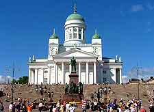 Photo showing nearby Helsinki's cathedral