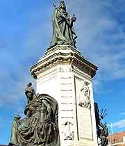 Queen Victoria statue picture
