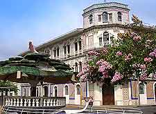 Image showing local colonial mansions