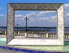 Photo of riverfront picture frame sculpture