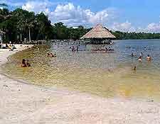 Quistococha Lagoon picture