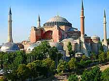 Close-up picture of the Hagia Sophia (Aya Sofya)