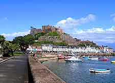 Jersey Information and Tourism: Scenic photo of Mont Orgueil Castle