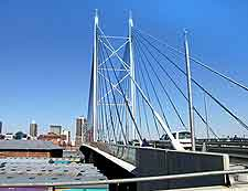 Photo of the Nelson Mandela Bridge