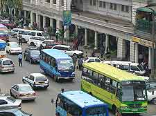 Image of buses and cars on Nairobi's Kimathi Street