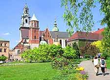 Photo showing the magestic Wawel Cathedral
