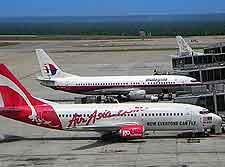Photo of planes at the Kuala Lumpur Airport (KLIA / KUL)