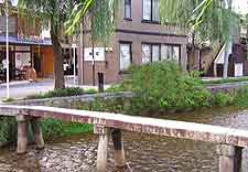 Photo of pedestrian bridge in the Gion district