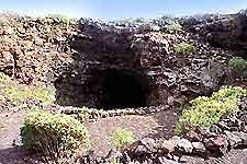 Image of the entrance to Cueva de los Verdes (Green Caves), Lanzarote
