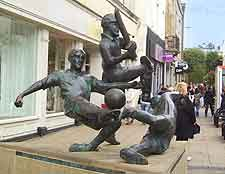 Leicester Gay Scene: Picture of Gallowtree Gate sculpture