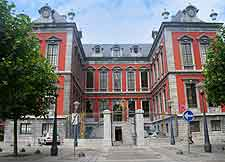 Picture of the Perron / Town Hall (Stadhuis)