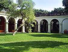 Courtyard picture of the Museo Arqueologico Rafael Larco Herrera