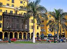 Further view of the Plaza de Armas