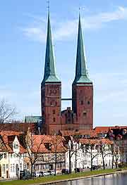 Picture showing the twin spires of Lubeck's Cathedral (Dom)