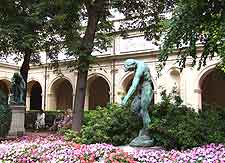 Picture of statue outside the Musee des Beaux Arts