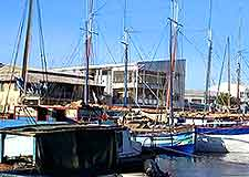 Mahajanga harbour picture