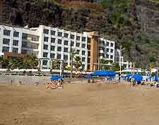 Picture of hotel at Calheta Beach