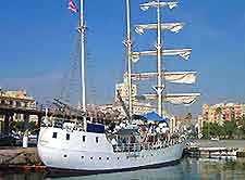 Photo of a sailing ship in Malaga