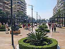 Further view of shopping districts in Marbella