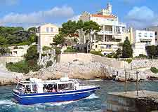 Photo showing boat trip departing from Cassis