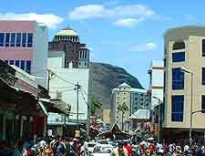 Photograph of shoppers in Port Louis