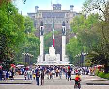 Further image of the Bosque de Chapultepec in Mexico City