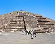 Image of ancient temple at Teotihuacan