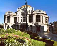 Mexico City image of the Palacio de Bellas Artes