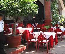 Photo of al fresco seating awaiting diners