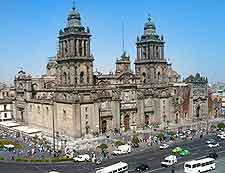 Different picture of the Zocalo Cathedral