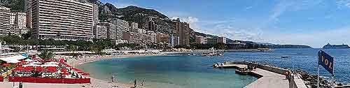Image of Larvotto Beach in the summer sunshine