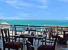 Picture of al fresco dining next to the beachfront