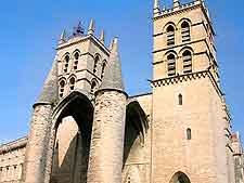 Cathédrale St. Pierre picture