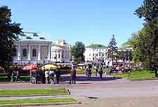 Picture of the Alexander Gardens (Aleksandrovskii Sad)