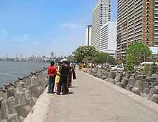 Picture of esplanade at Nariman Point