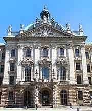 Justice Palace / Court House (Justizpalast) picture