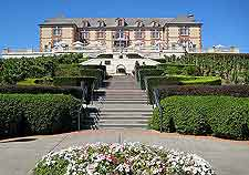 Further picture of the Domaine Carneros