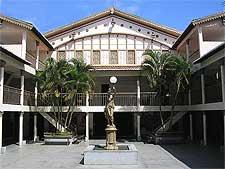 Picture showing the Teatro Alberto Maranhao