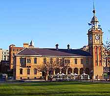Picture showing the Customs House