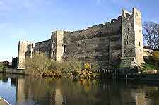 Further photo showing Newark Castle