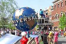 Picture of crowds at Universal Studios