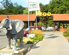 Picture showing the entrance to the Zoological Gardens