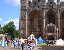 Photo of festival outside the cathedral