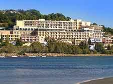 Vravrona photo, showing the coastline and hotels