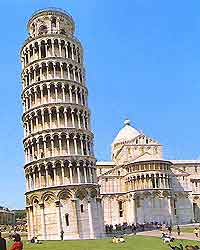 Photo of Pisa's iconic Leaning Tower