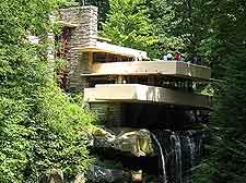 Image of Frank Lloyd Wright's Fallingwater house